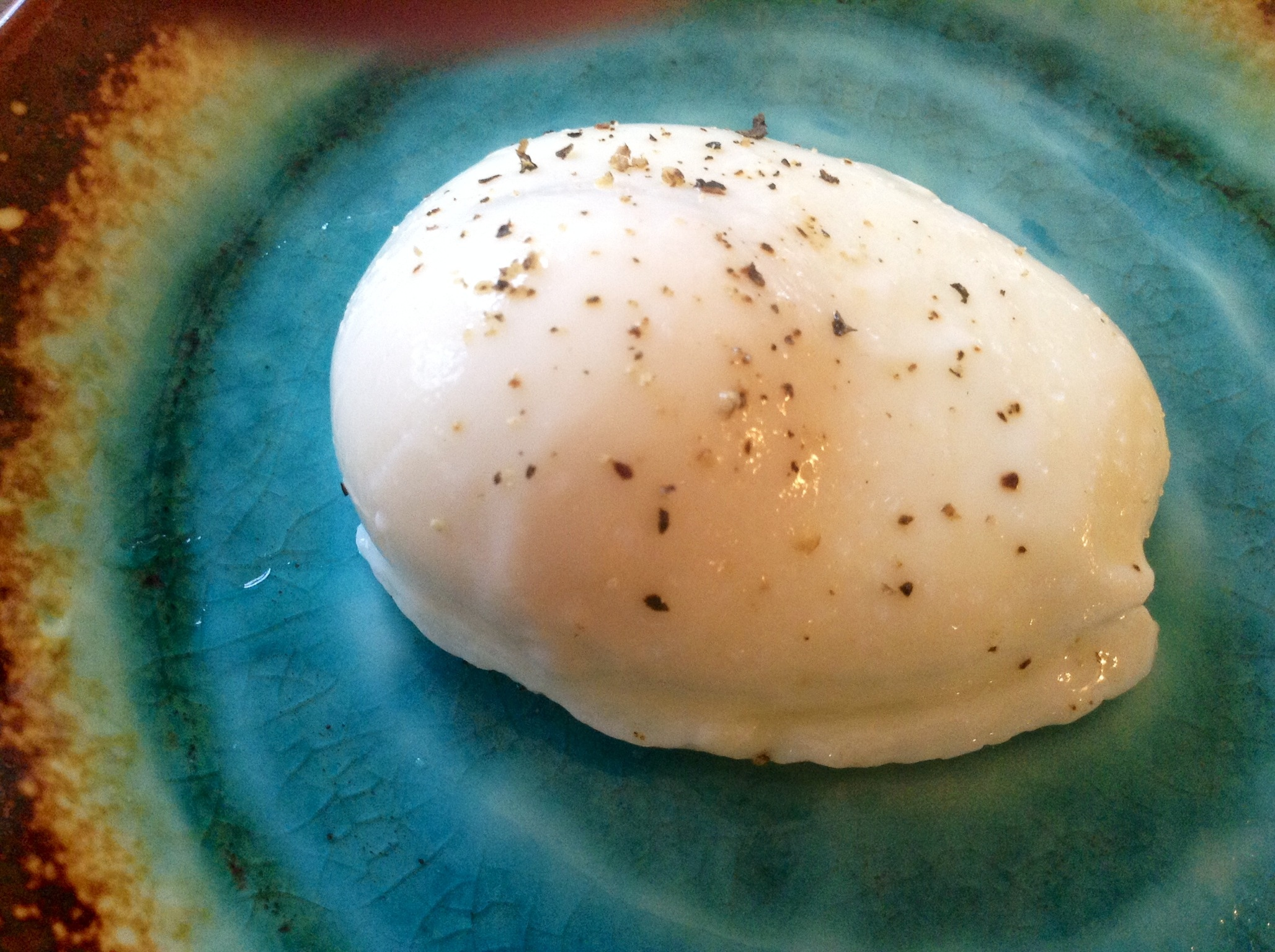 ... the perfect Poached Egg …..Yes you can, using this easy technique