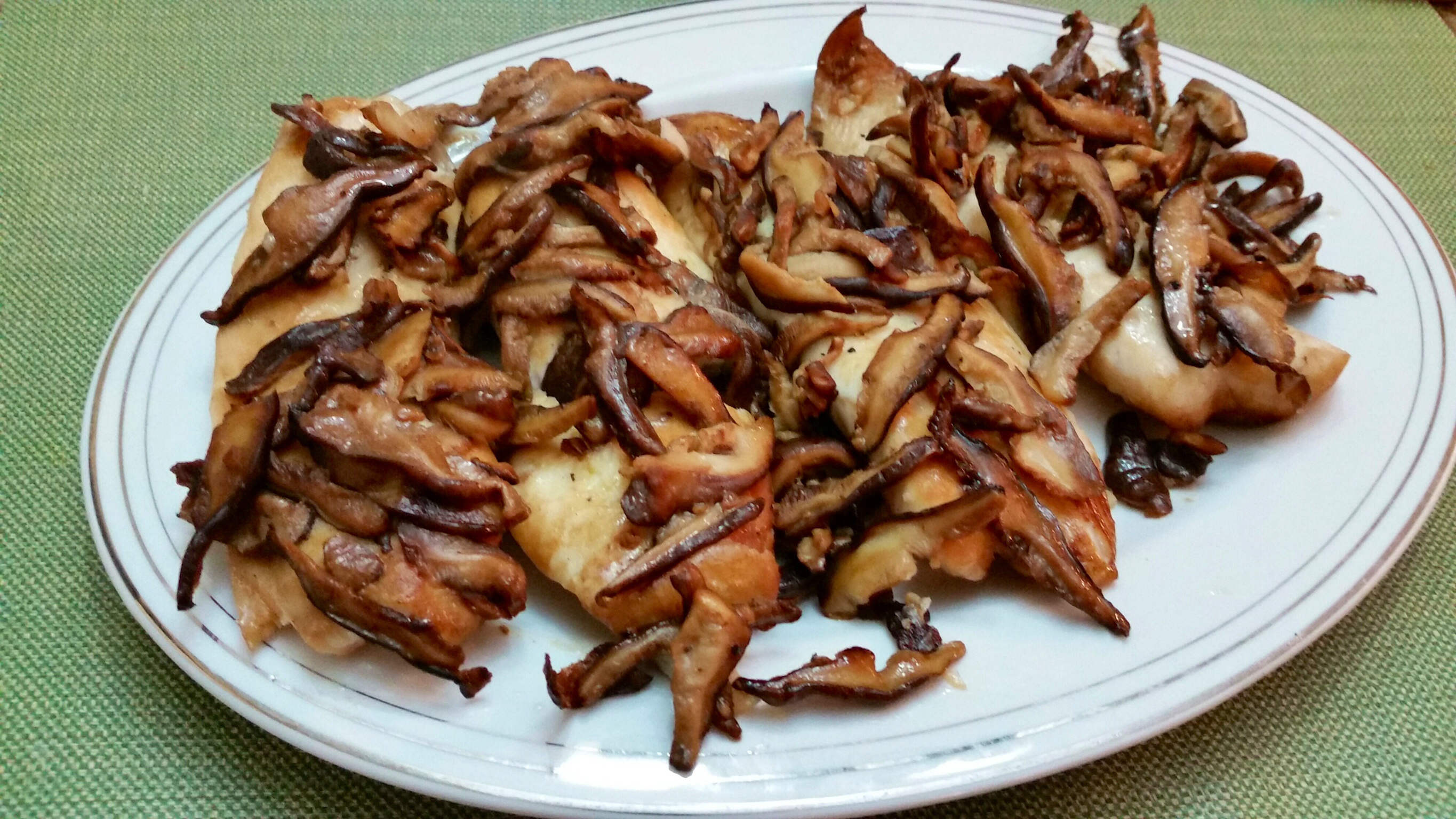 Oven steamed fish with wild mushrooms foodfellas 4 you for Steam fish in oven